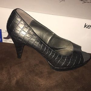 Size 7 Bandolino Heels